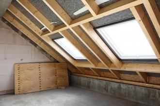 Aménagez vos combles ou grenier avec AEF Rénovation, entreprise de bâtiment.