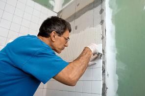 AEF Rénovation réalise la pose de carrelage et faïence de votre salle de bain (douche, lavabo, baignoire...)  en Presqu'île guérandaise.