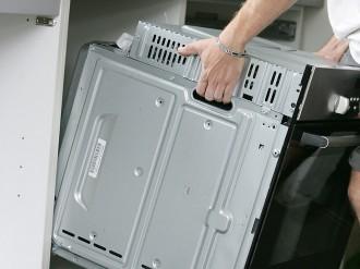 AEF Rénovation, cuisiniste et menuisier, assure la pose et l'installation de votre électroménager pour votre projet de cuisine.