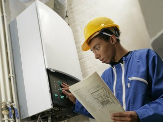AEF Rénovation réalise la pose de votre chaudière à condensation en Presqu'île guérandaise.
