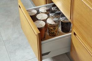 AEF Rénovation, cuisiniste et menuisier, assure la pose et l'installation de vos meubles de cuisine.