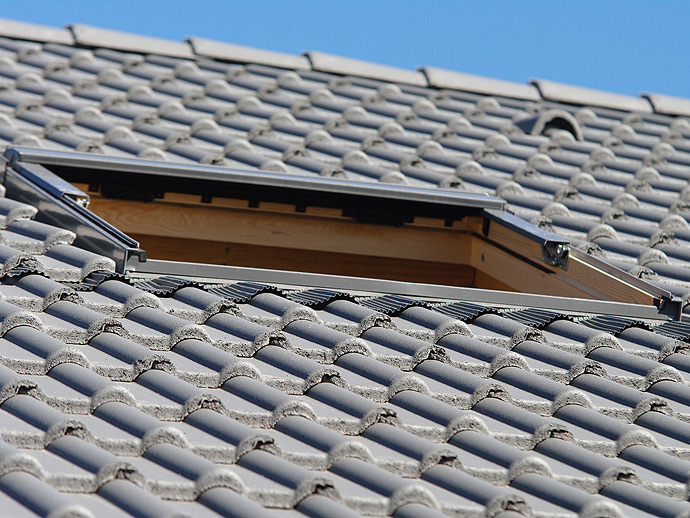 pose de velux sur la baule gu rande installation de fen tres de toit. Black Bedroom Furniture Sets. Home Design Ideas